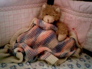 Вязаное одеяло для малыша.