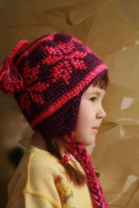 Вязаная детская шапка.
